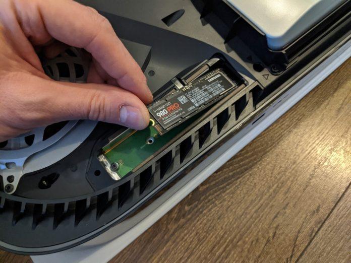 Aggiornamento firmware PS5 SSD