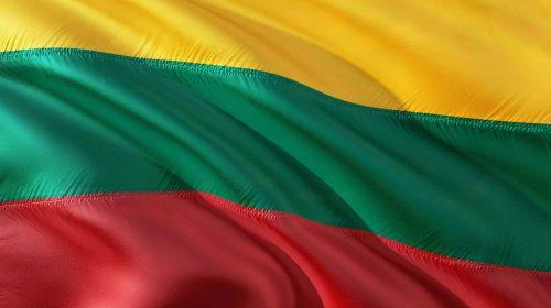 Smartphone dalla Cina: la Lituania lancia l'allarme | Punto Informatico